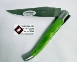 Coltello serramanico manico resina verde Laguiole en Aubrac